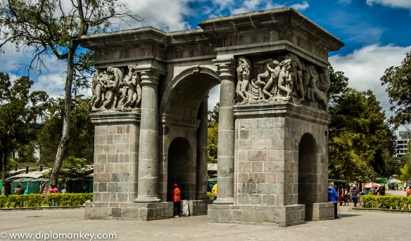 Quito's El Ejido Park's Arco del Triunfo.